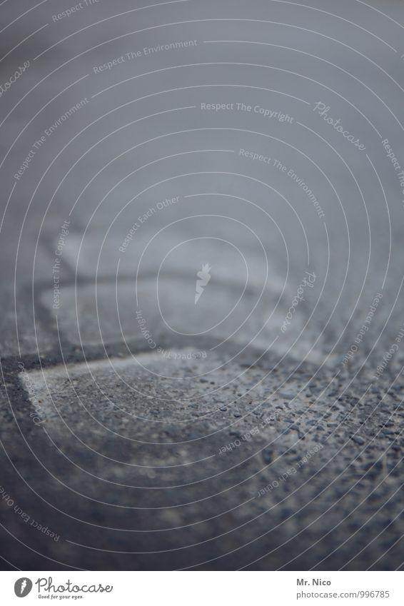UT Köln | musteer Straße Wege & Pfade trist grau Reifenspuren Asphalt Abdruck Bodenbelag Teer Detailaufnahme abstrakt Spuren Straßenbelag Reifenprofil