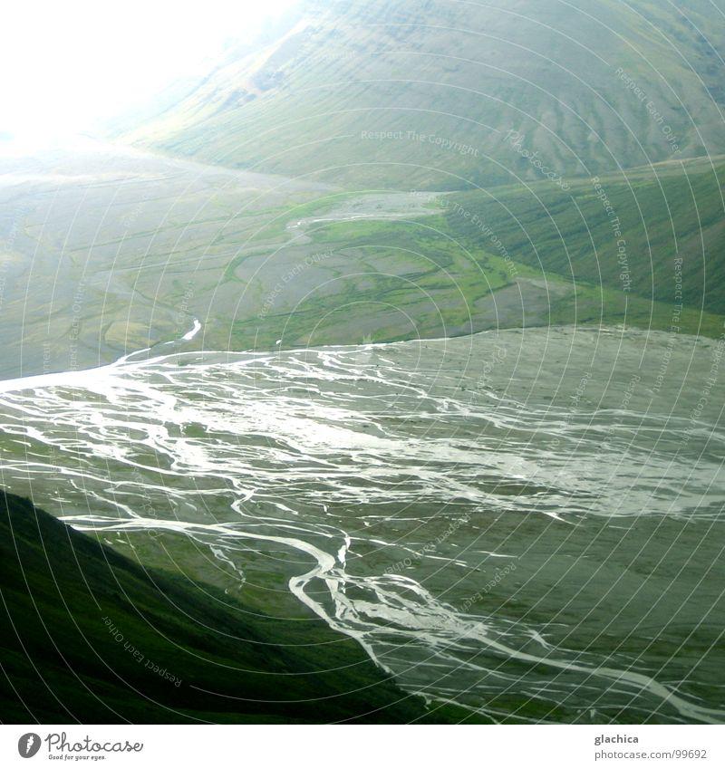 Wunderwelt Island Einsamkeit Gletscher kalt Ewigkeit Ewiges Eis Gletscherzunge Nebel Wiese Luft ruhig grau Rinnsal Meer See Fluss Bach Europa Schnee Wasser