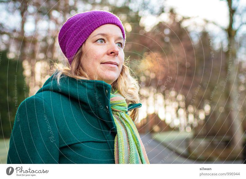 #100 - danke Inga feminin Junge Frau Jugendliche Mensch Mode Mantel Schal Mütze blond glänzend Blick stehen ästhetisch einfach Fröhlichkeit frisch trendy schön