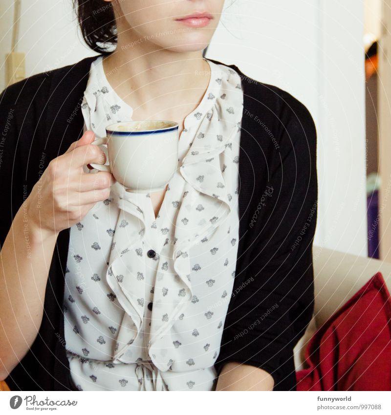 Käffchen Wohnung Mensch feminin Junge Frau Jugendliche Erwachsene Mund 1 18-30 Jahre trinken Kaffee Tasse Brunch Tee Englisch elegant Farbfoto Nahaufnahme Tag