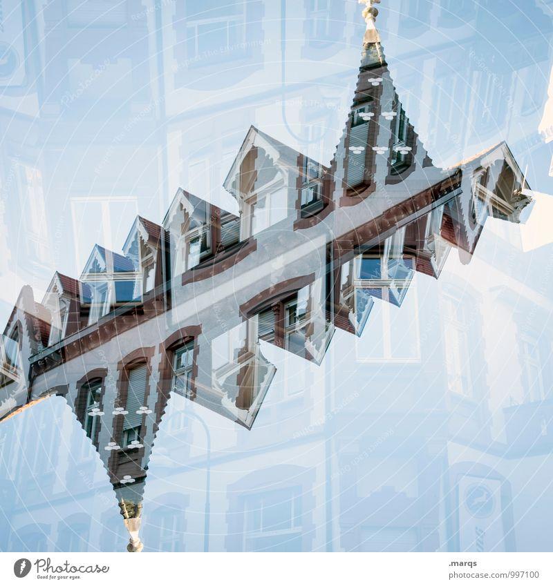 Dach blau Haus Fenster Stil Lifestyle außergewöhnlich Häusliches Leben ästhetisch Wolkenloser Himmel Doppelbelichtung Symmetrie Dachrinne