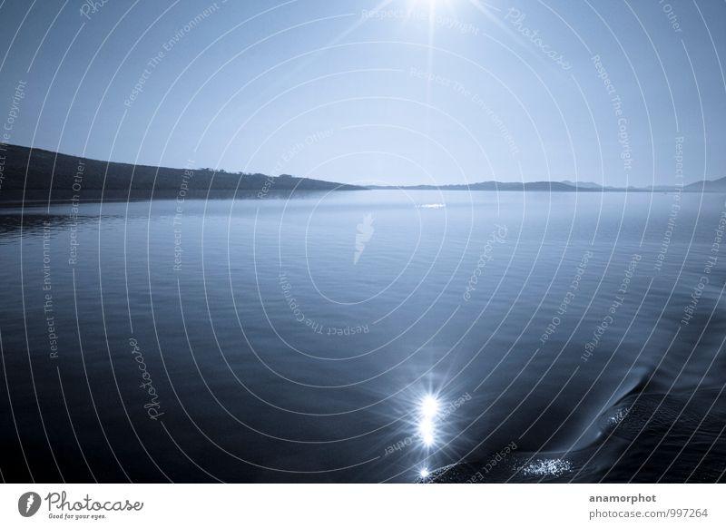 blue sea Ferien & Urlaub & Reisen Wasser Wolkenloser Himmel Sonnenlicht Sommer Küste Meer Bewegung Erholung schaukeln träumen kalt blau Zufriedenheit Coolness
