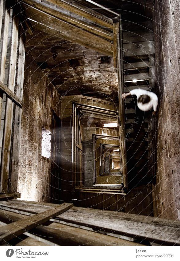 Wo ist Rapunzel? III dunkel Holz Angst Treppe Turm Niveau fallen Geländer Unendlichkeit verfallen unten Burg oder Schloss historisch Treppenhaus tief Höhenangst
