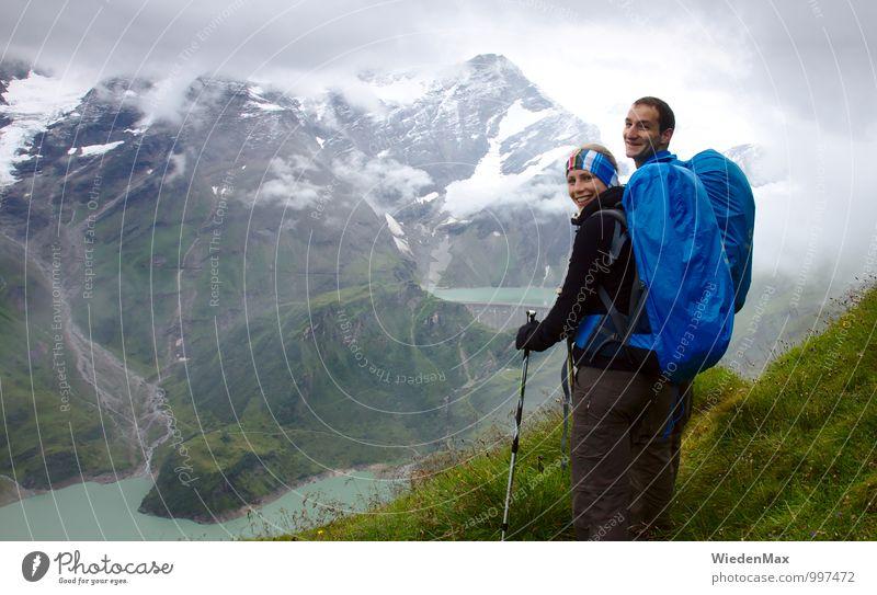 Bergwanderung Mensch Natur Jugendliche Wasser Sommer Erholung Landschaft Wolken Freude 18-30 Jahre Erwachsene Berge u. Gebirge feminin Sport Glück See