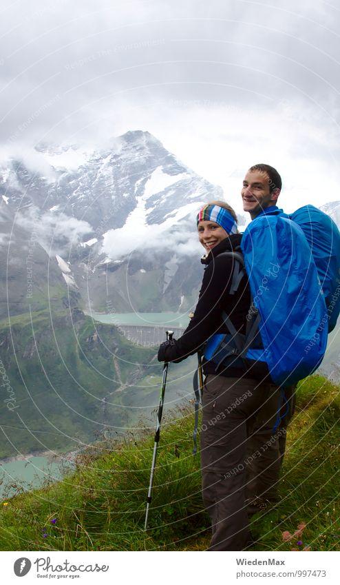 Bergwanderung Hochkant Mensch Ferien & Urlaub & Reisen Jugendliche Wasser Sommer Wolken 18-30 Jahre Erwachsene Berge u. Gebirge feminin Schnee Sport Freiheit