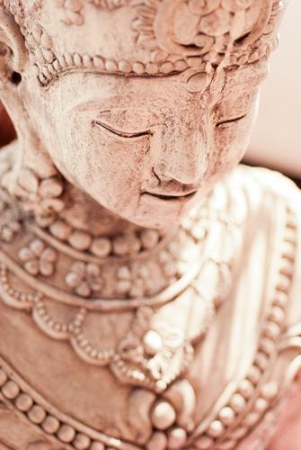 Smiling schön feminin Glück braun Zufriedenheit Dekoration & Verzierung Lächeln Freundlichkeit Asien Gelassenheit himmlisch Statue sanft Skulptur Kunstwerk