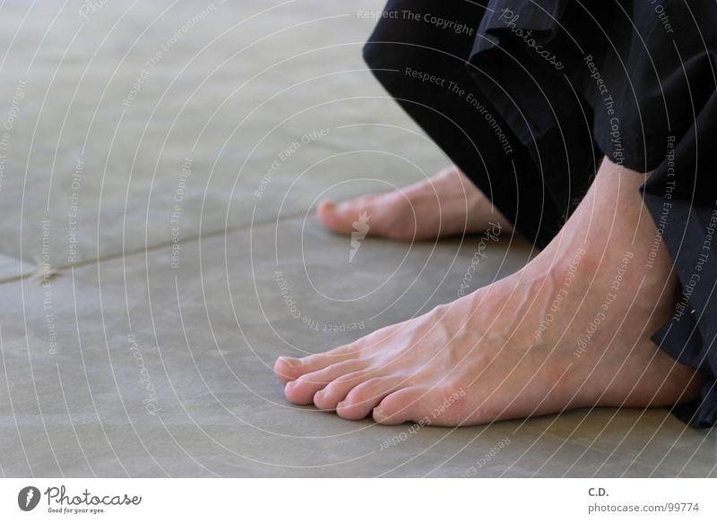nach dem Training Mensch grün schwarz Fuß Haut Zehen Gefäße Gelenk Matten
