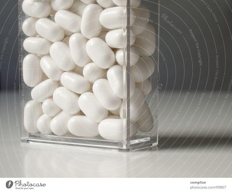 Taktik II weiß Farbe glänzend frisch Süßwaren Dose Schachtel Flirten Supermarkt Bohnen Medikament Markt Packung Erbsen Minze