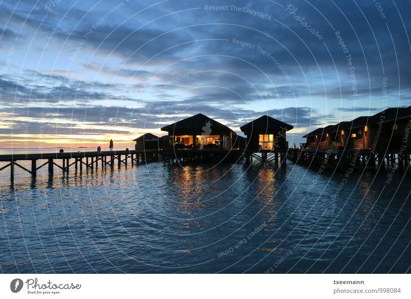 Relax on poles Ferien & Urlaub & Reisen Erholung Landschaft Küste Gebäude Zufriedenheit Tourismus Lebensfreude Hütte