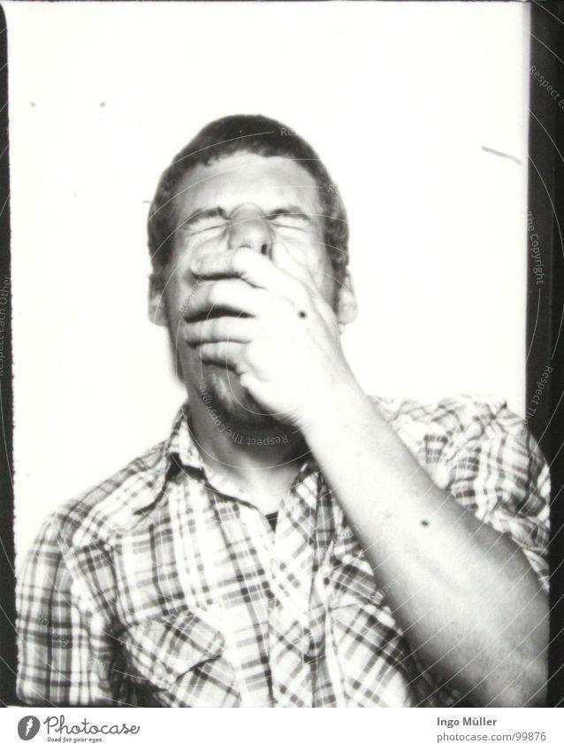 Fotosession 15 Mann Hand weiß Gesicht schwarz Haare & Frisuren Fotografie maskulin Nase Müdigkeit Hemd Langeweile kariert gestikulieren kurzhaarig Photo-Shooting