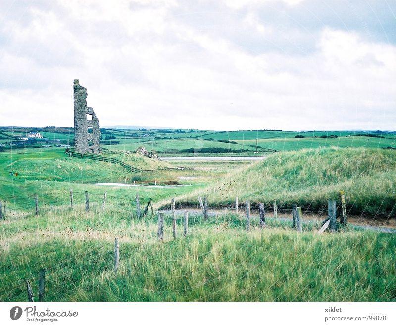 Halbhaus alt Himmel grün Sommer Ferien & Urlaub & Reisen Haus Farbe Gras Landschaft Burg oder Schloss Zerstörung Republik Irland