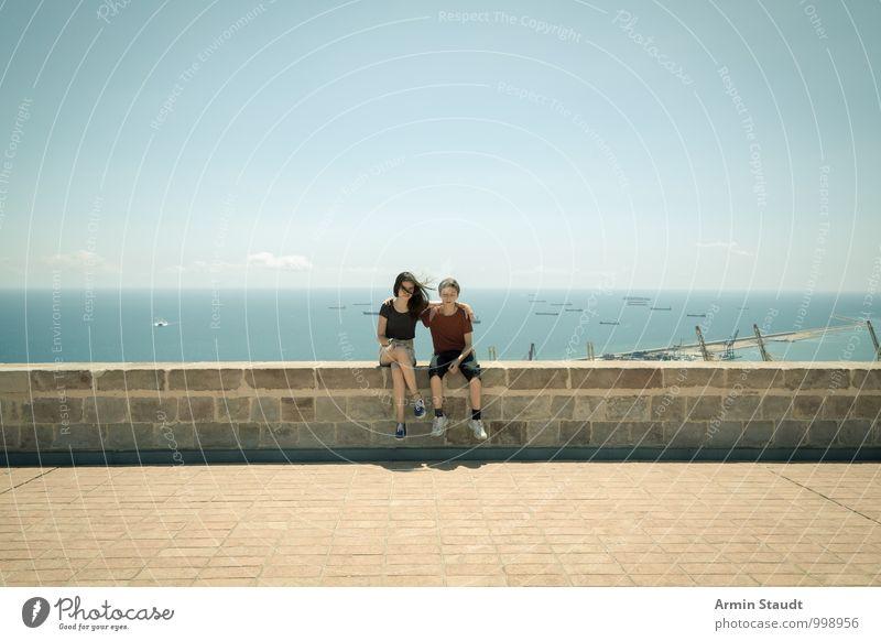 Geschwister auf der Mauer Lifestyle Design Erholung Freizeit & Hobby Ferien & Urlaub & Reisen Mensch maskulin feminin Jugendliche 2 13-18 Jahre Kind Landschaft