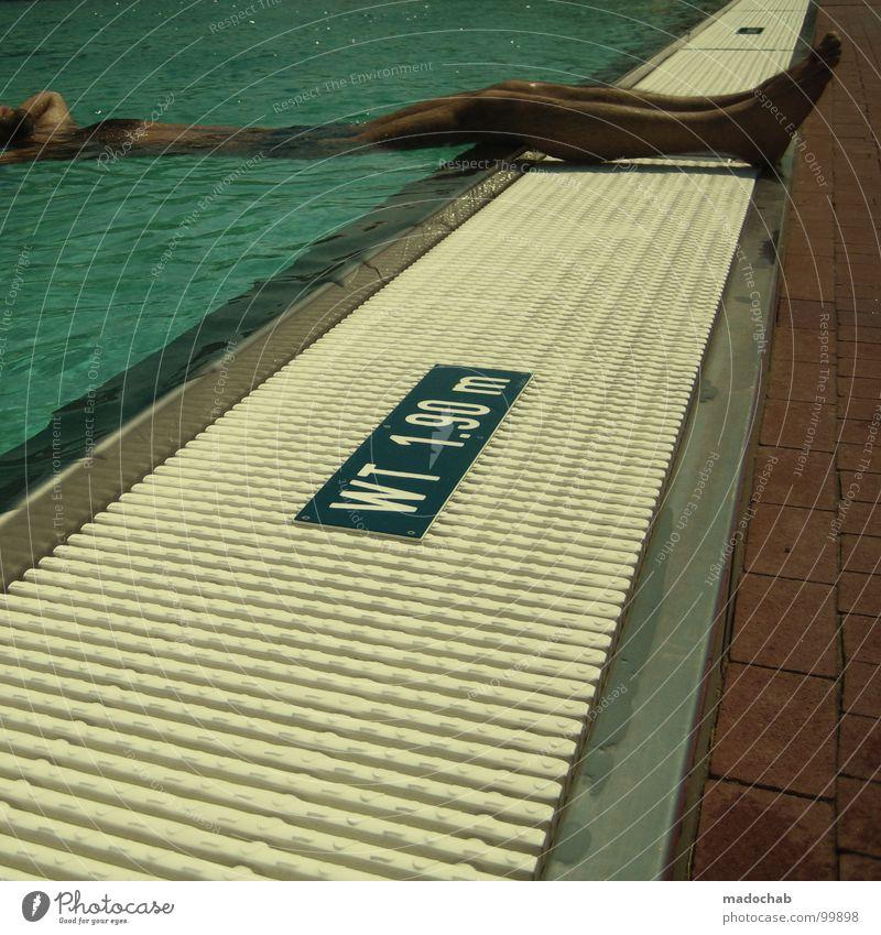 BADETAG Schwimmbad Mann Oberfläche Freibad Sommer Kühlung Erholung Wellness nackt Badehose Freizeit & Hobby Ferien & Urlaub & Reisen Freude waser liegen Spa