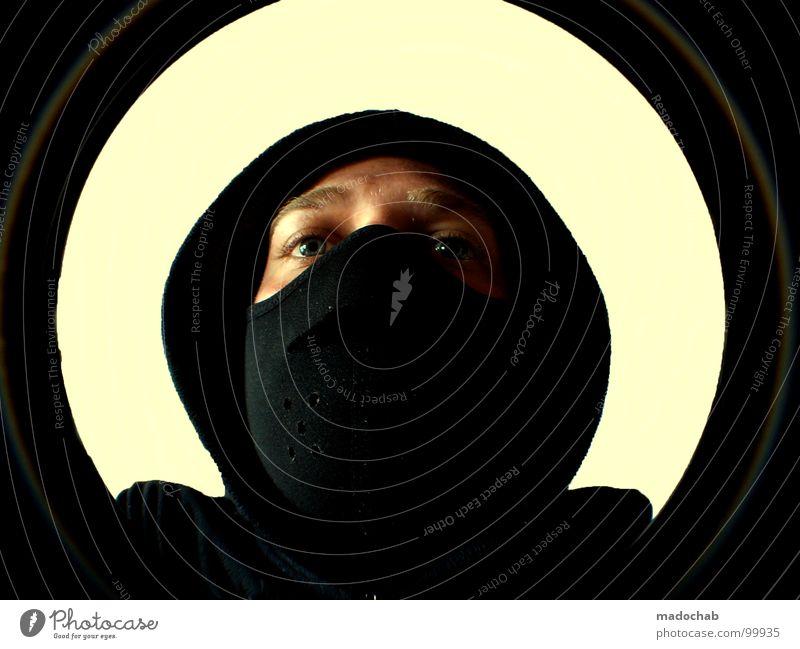 Portrait Revolution Antifa Protest Politik Streik vermummt Fischauge Tarnung schwarz dunkel Mann Mensch gefährlich Terror Schurke Ninja Kämpfer