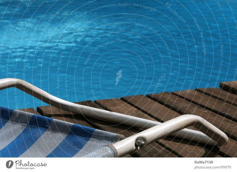 Poolside Wasser Sommer Erholung Schwimmbad Freizeit & Hobby Liege Sommertag Chlor